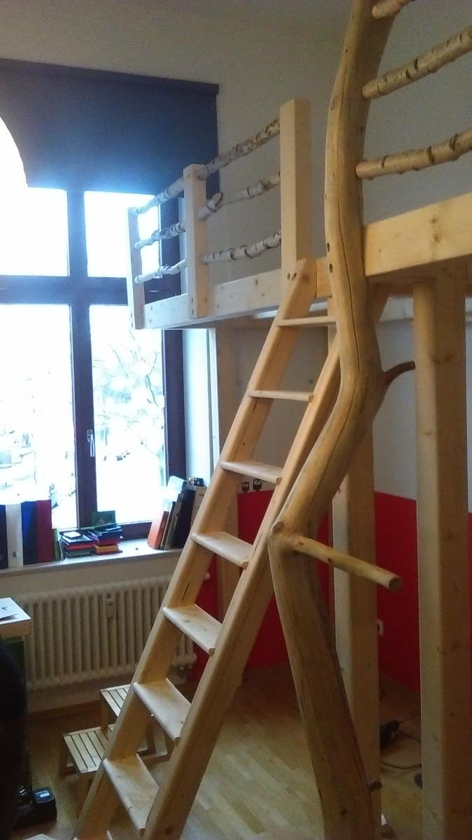 doppelhochbett mit birkengel nder und wildholzstamm hochbett manufaktur. Black Bedroom Furniture Sets. Home Design Ideas